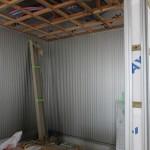 このとき外では、外壁材のガルスパンの工事中。
