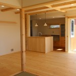 LDK+和室普段は広く開放的に使い、 来客者が宿泊する場合に障子で仕切りができるようにいたしました。
