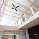 ホールを抜けるとLDK+和室。東と北の窓からの優しい光が、部屋全体を明るくしてくれます。