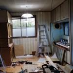 キッチン部分と洋間を一部取り壊し