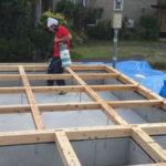 防蟻工事も手配。ホウ酸水溶液を吹きかけてシートで保護。