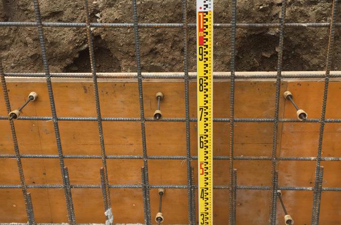 鉄筋の量・太さを構造計算した通りに組んでいきます。綺麗に組んでありますね。