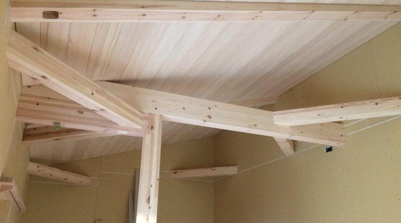 馴染んだら、樅床板張り・天井、壁板張りを施工です。